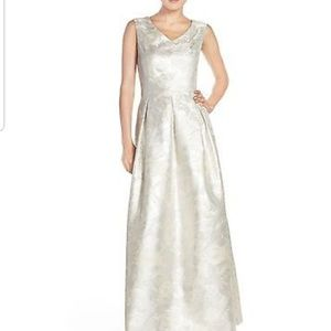 Ellen tracy gown evening gown prom dress
